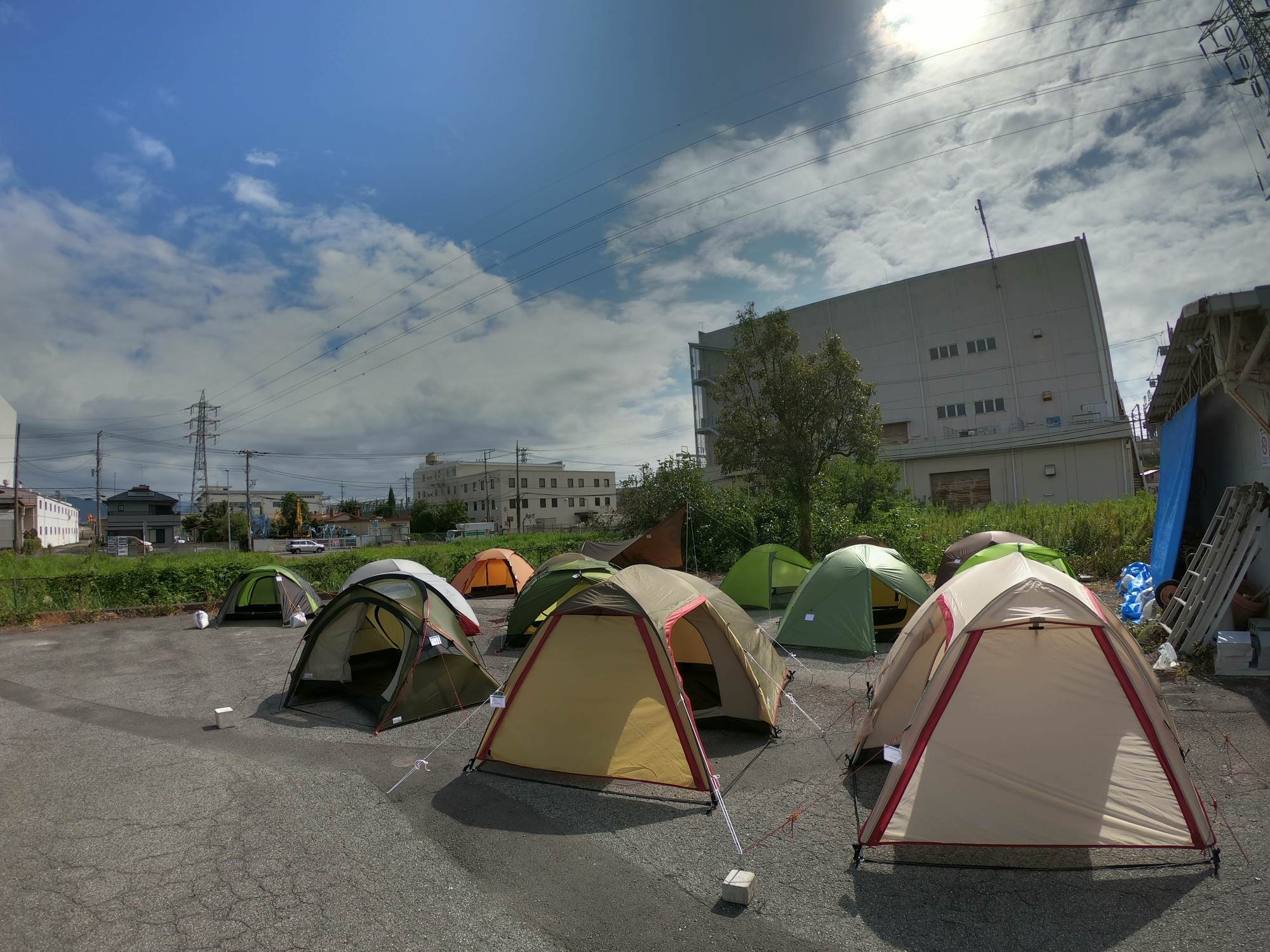 小型テント展示会開催中!